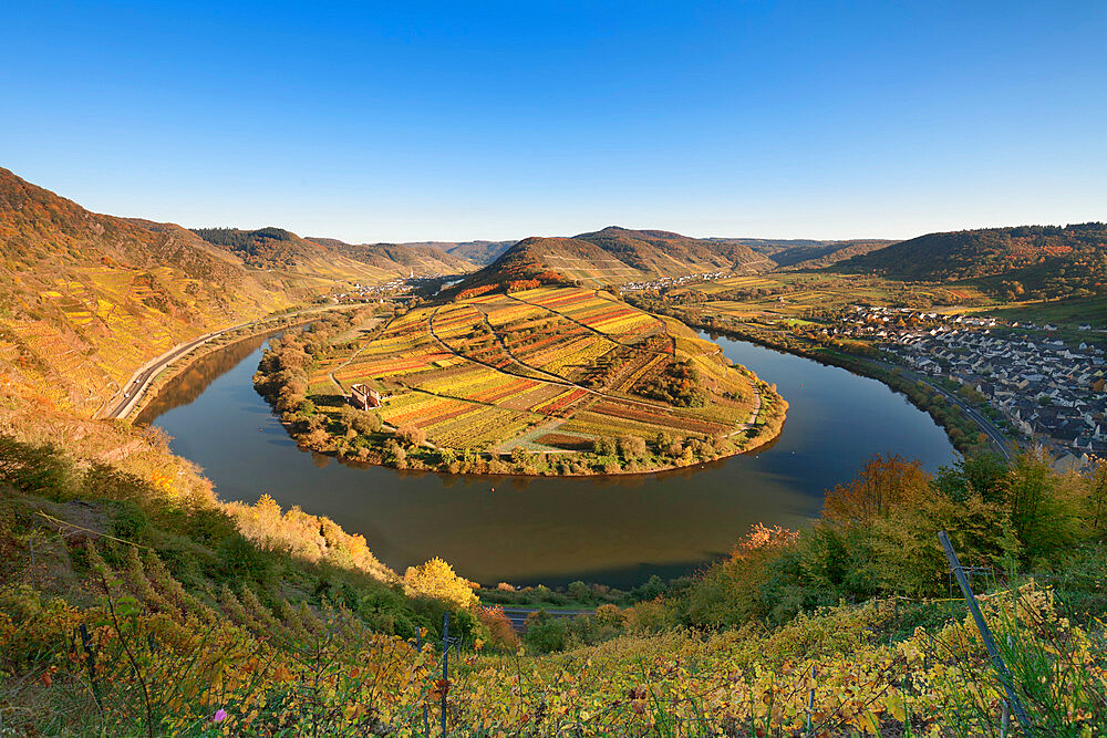 Loop of Moselle River with Calmont Hill near Bremm, Rhineland-Palatinate, Germany, Europe - 1160-3770