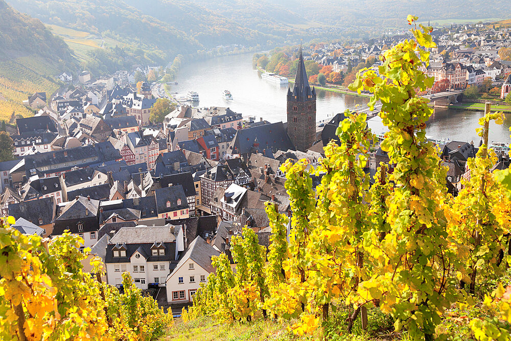 Bernkastel-Kues in autumn, Moselle valley, Rhineland-Palatinate, Germany - 1160-3791