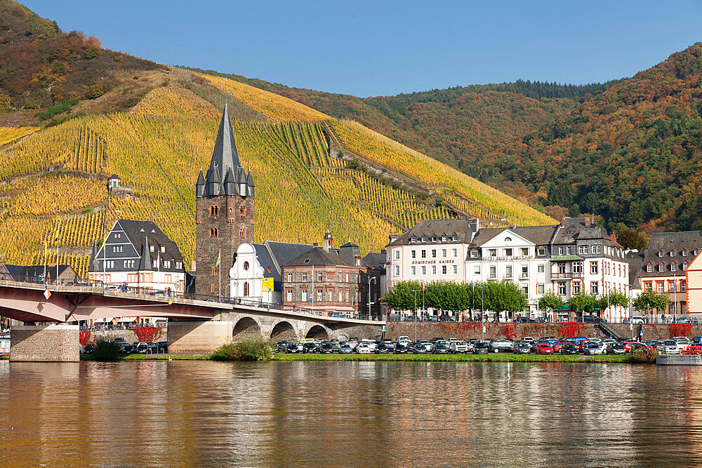 Bernkastel-Kues in autumn, Moselle valley, Rhineland-Palatinate, Germany - 1160-3797