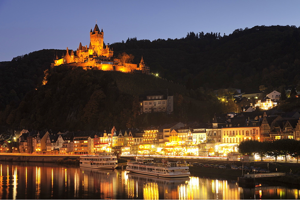 View over Moselle River to Reichsburg Castle, Cochem, Rhineland-Palatinate, Germany, Europe - 1160-3812