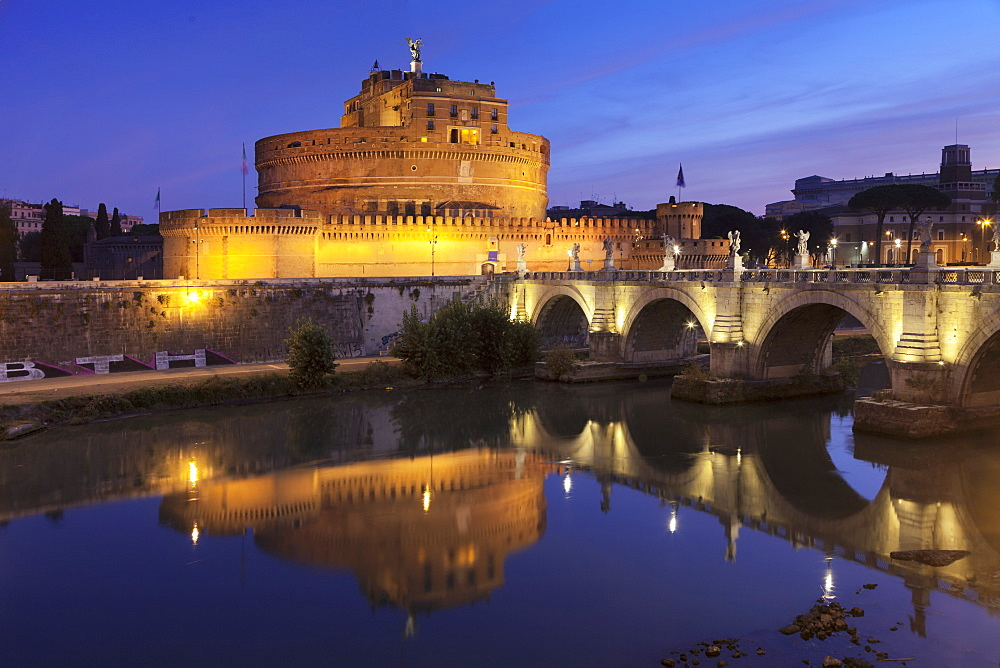 Mausoleum of Hadrian, Castel Sant'Angelo, Ponte Sant'Angelo Bridge, UNESCO World Heritage Site, Tiber River, Rome, Lazio, Italy, Europe - 1160-3826