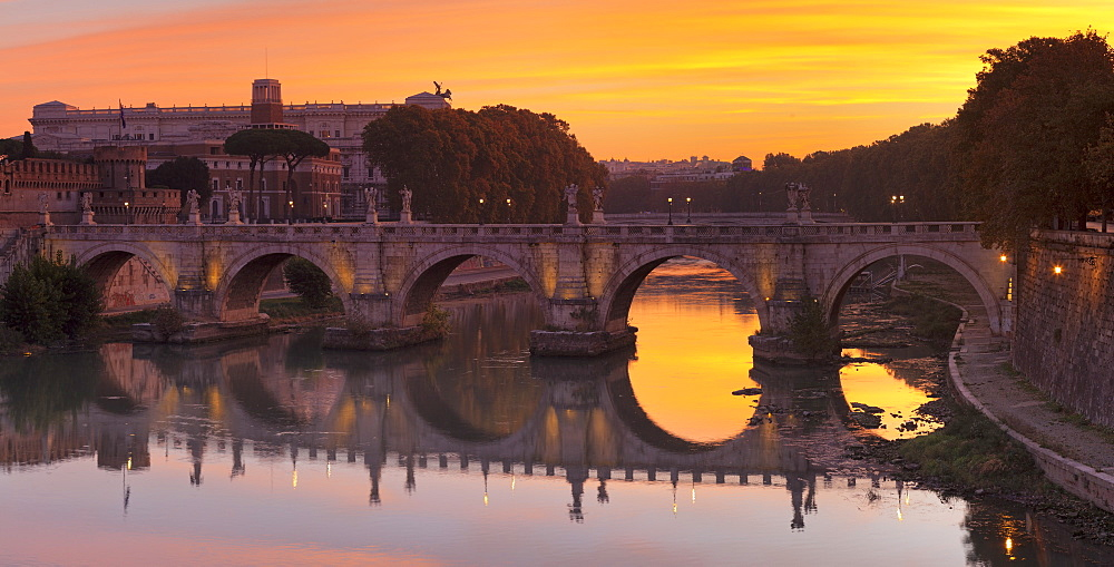 Ponte Sant'Angelo Bridge at sunrise, Tiber River, Rome, Lazio, Italy, Europe - 1160-3827
