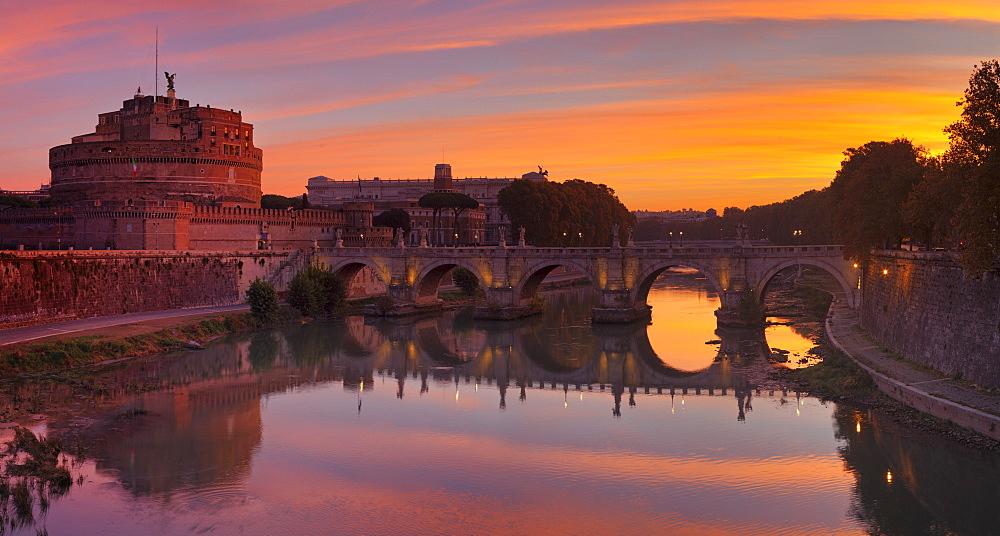 Castel Sant'Angelo, Ponte Sant'Angelo Bridge, UNESCO World Heritage Site, Tiber River, Rome, Italy