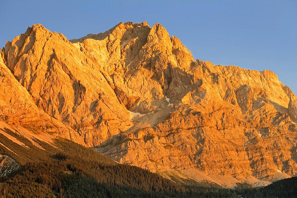 Wettersteingebirge and Zugspitze Mountains at sunset, near Grainau, Werdenfelser Land range, Upper Bavaria, Bavaria, Germany - 1160-3944