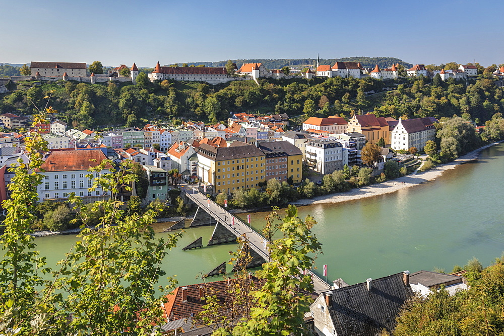 View over Salzach River, old town and Castle, Burghausen, Upper Bavaria, Bavaria, Germany