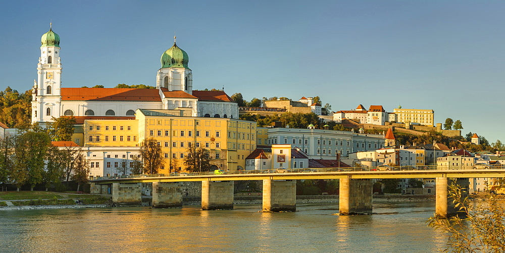 View over Inn River to Cathedral of St.Stephen and Veste Oberhaus fortress, Passau, Lower Bavaria, Germany