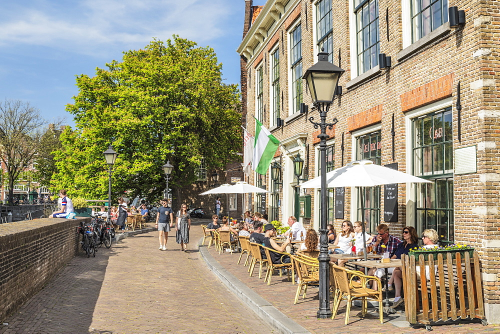 Street cafe, district of Delfshaven, Rotterdam, South Holland, Netherlands, Europe