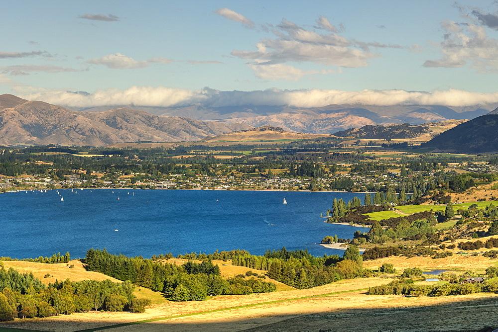 Lake Wanaka in the evening, Otago, South Island, New Zealand, Pacific
