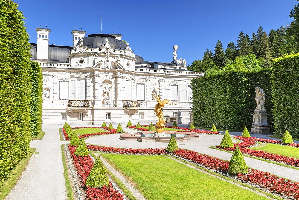 Western Parterre, Linderhof Palace, Werdenfelser Land, Bavarian Alps, Upper Bavaria, Germany, Europe
