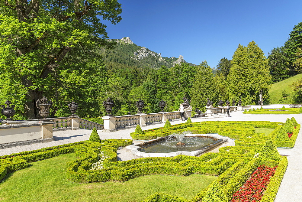Palace garden, Linderhof Palace, Werdenfelser Land, Bavarian Alps, Upper Bavaria, Germany, Europe