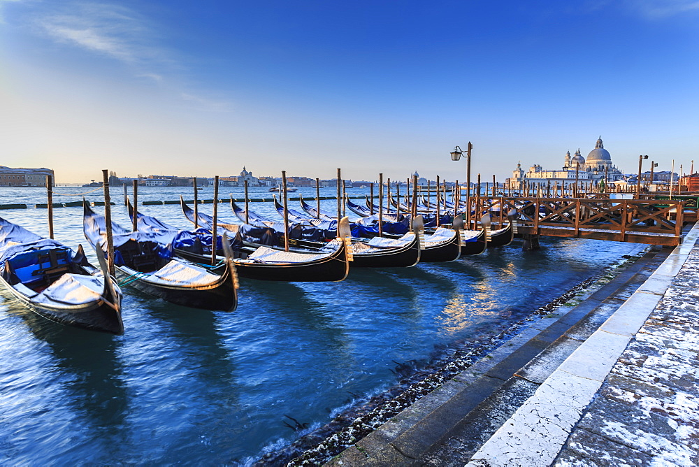 Gondolas with view to Basilica di Santa Maria della Salute after snow, Venice, UNESCO World Heritage Site, Veneto, Italy, Europe