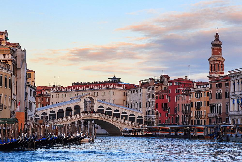 Rialto Bridge on Grand Canal at sunset, Venice, UNESCO World Heritage Site, Winter, Veneto, Italy