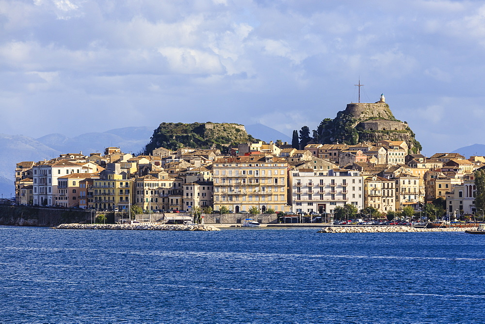 Waterfront, Old Fortress and Old Town from the sea, Corfu Town, UNESCO World Heritage Site, Corfu, Ionian Islands, Greek Islands, Greece, Europe