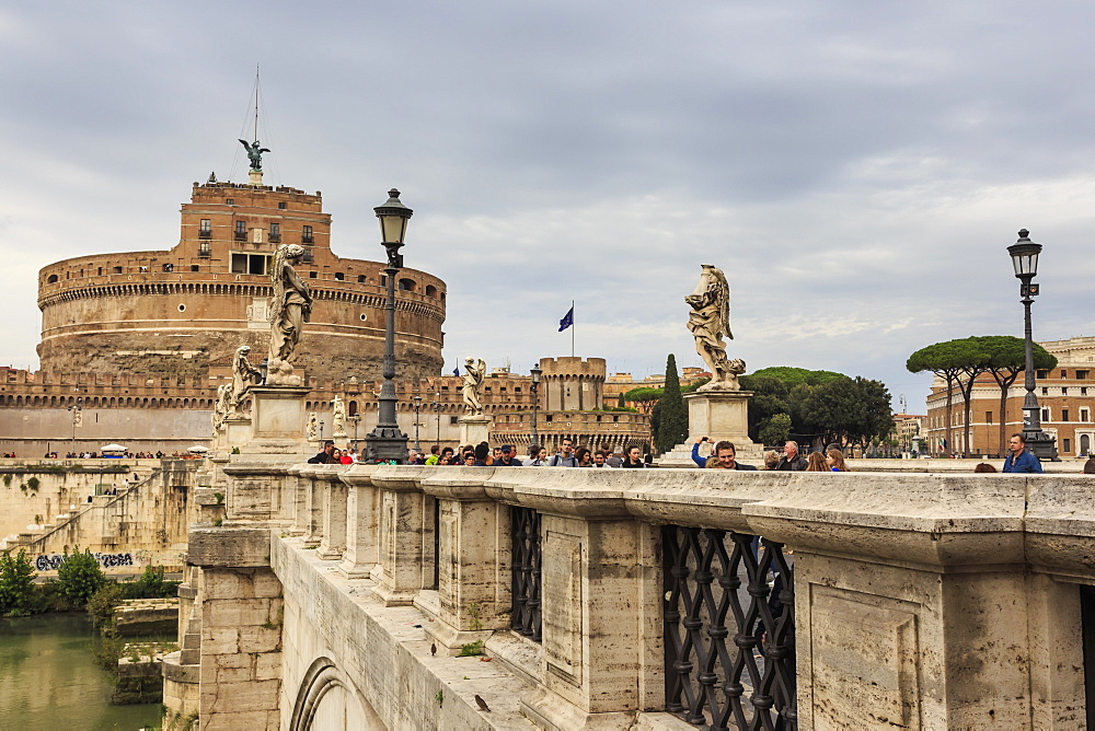Ponte Sant' Angelo and Castel Sant'Angelo, Vatican area, Historic Centre, Rome, UNESCO World Heritage Site, Lazio, Italy, Europe