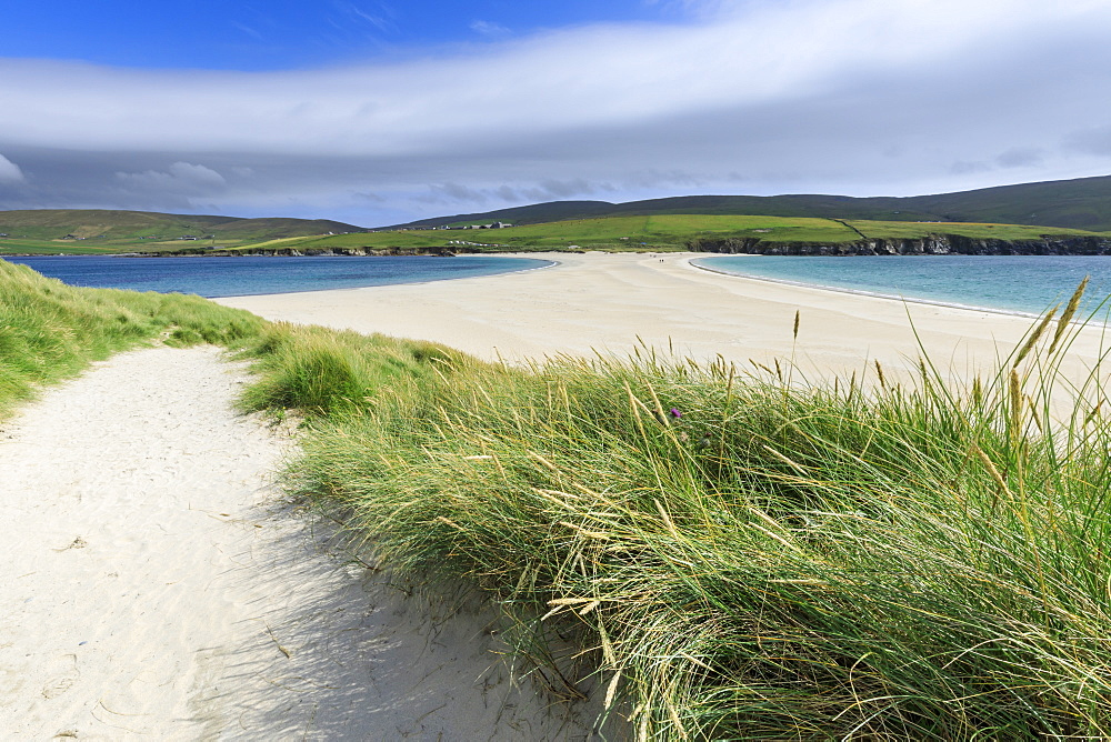 St. Ninian's Isle, white beach tombolo, South Mainland, Shetland Islands, Scotland, United Kingdom, Europe