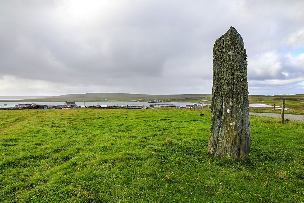 Uyea Breck Clivocast Standing Stone, coastal views, Uyeasound, Island of Unst, Shetland Isles, Scotland, United Kingdom, Europe