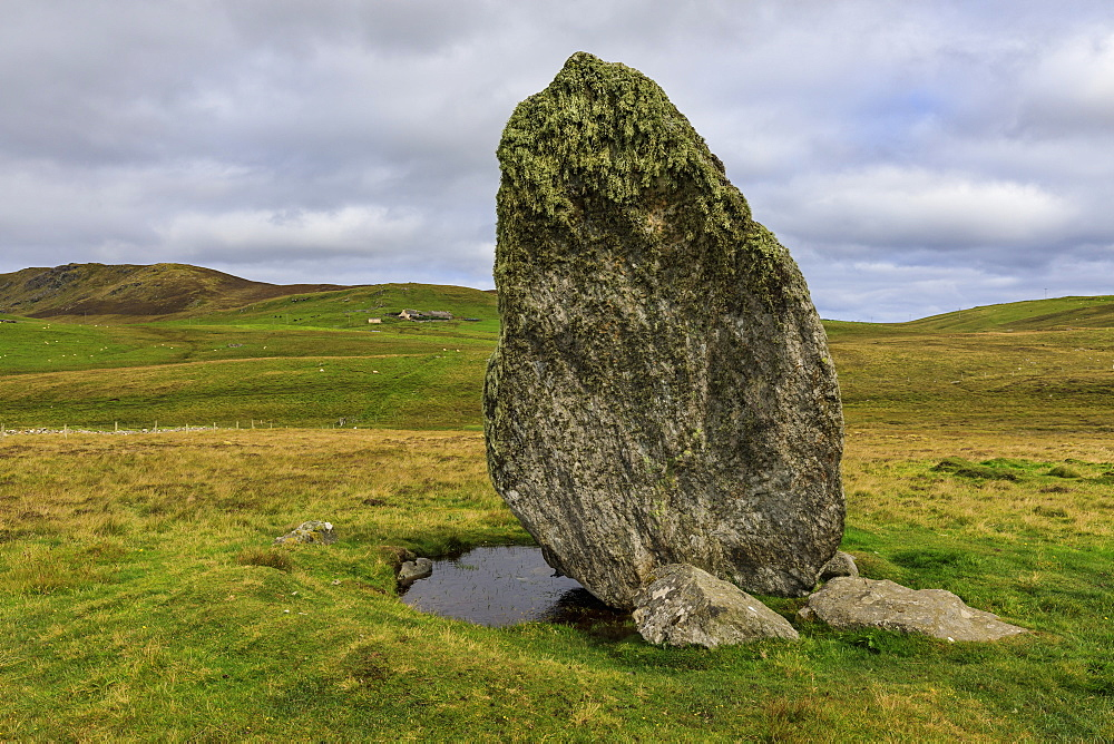 Boardastubble Standing Stone, largest in Shetland, moorland views, Lund, Island of Unst, Shetland Isles, Scotland, United Kingdom, Europe