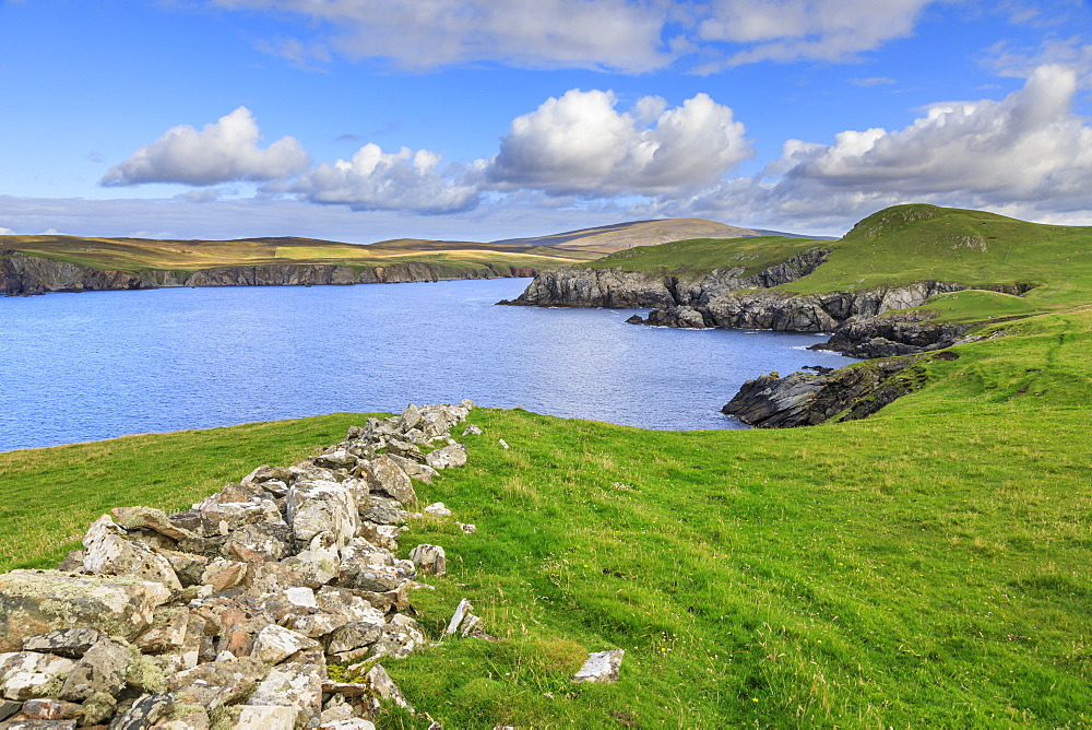 Ronas Hill from Ness of Hillswick, dramatic cliffs, interesting geology, Northmavine, Mainland, Shetland Isles, Scotland, United Kingdom, Europe