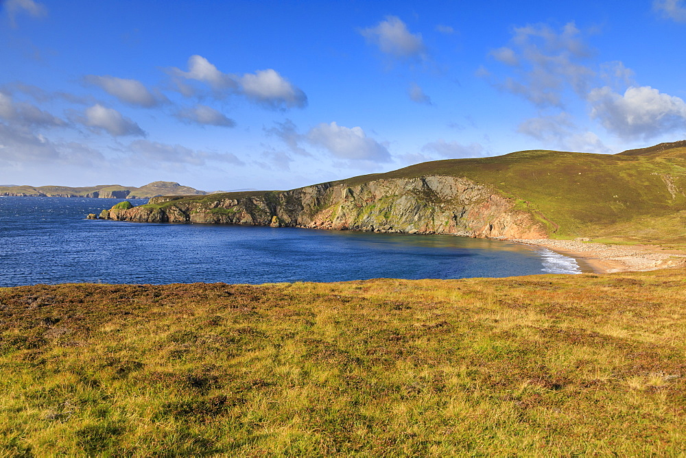 Little Ayre, red sand beach, red granite rocks, Muckle Roe Island, Shetland Isles, Scotland, United Kingdom, Europe