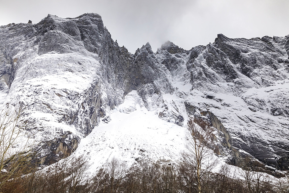 Trollveggen (Troll Wall), Europe's highest vertical rock face, Romsdalen Valley, in winter, More Og Romsdal, Norway, Scandinavia, Europe