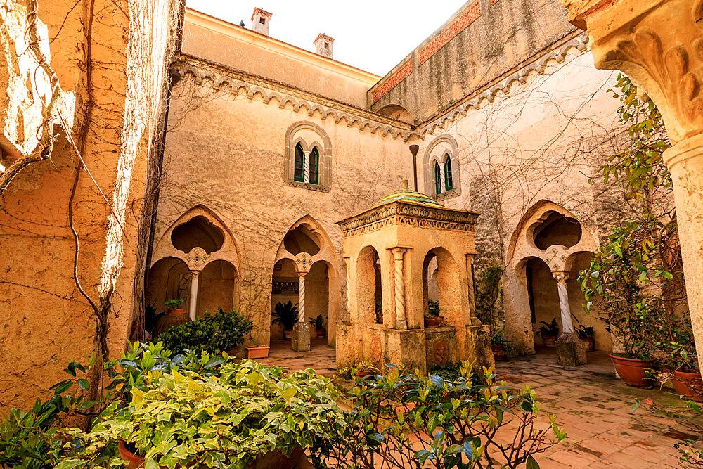 Cloister, stunning Garden of Villa Cimbrone, Spring, Ravello, Amalfi Coast, UNESCO World Heritage Site, Campania, Italy, Europe