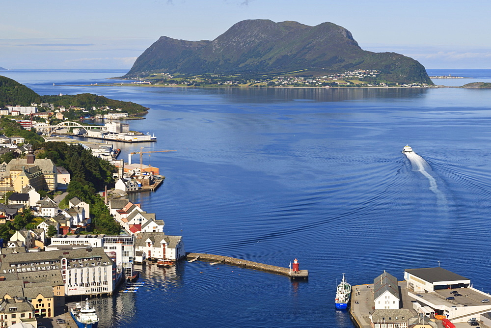 View from Aksla hill over Alesund harbour and out to the open sea, More og Romsdal, Norway, Scandinavia, Europe