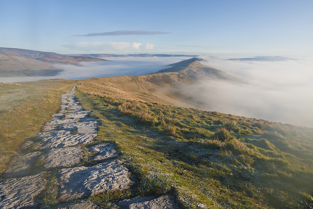 Fog and frosty path, Edale and Hope Valleys, Great Ridge Hollins Cross Mam Tor, Castleton, Peak District, Derbyshire, England, United Kingdom, Europe