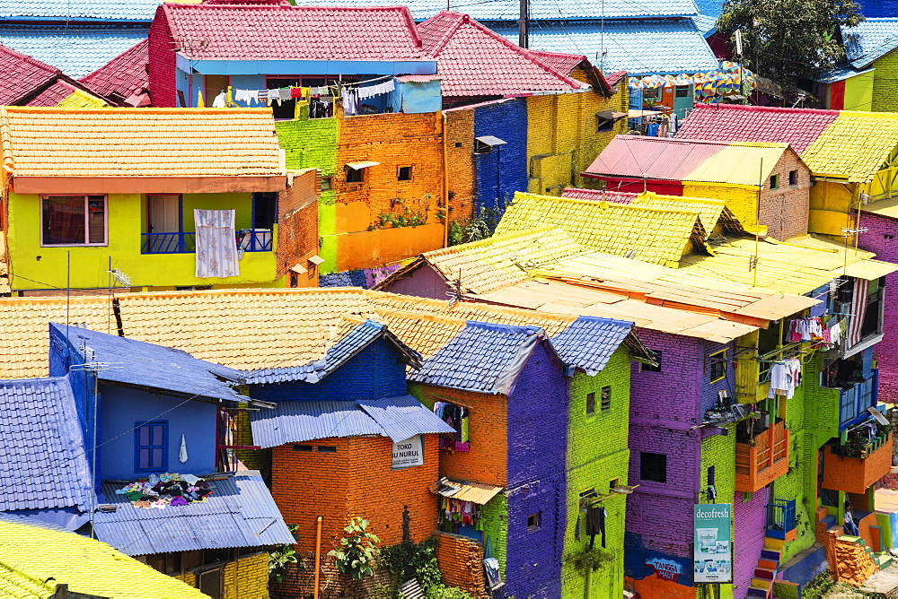 The brightly painted Warna-warni kampong or shanty town (slum), Malang, Java, Indonesia, Southeast Asia, Asia - 1176-1001