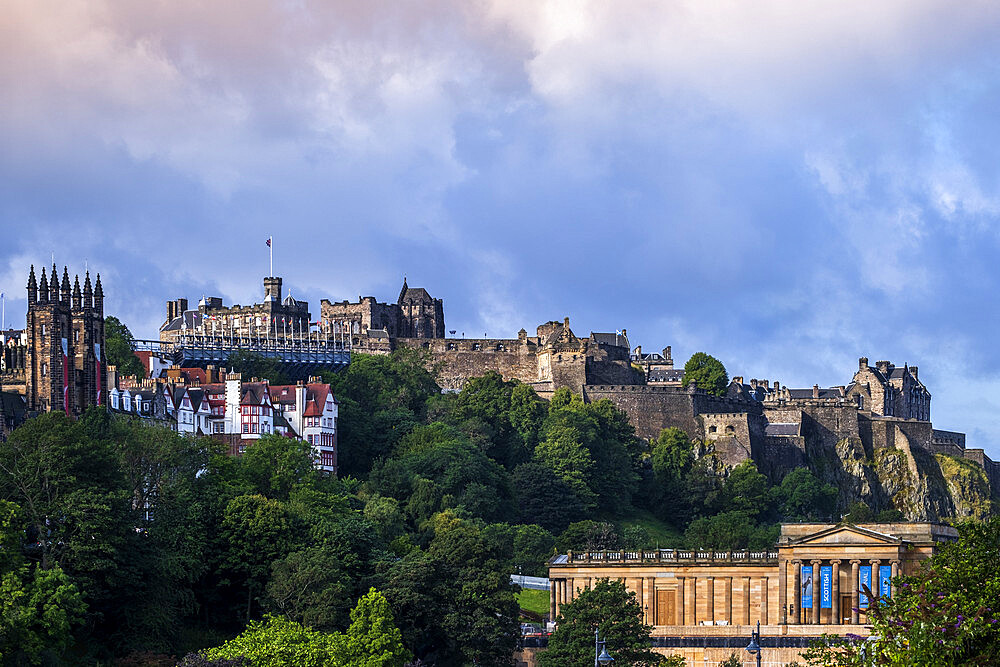 View of the historic skyline of Edinburgh showing the castle and the towers of St. Giles' Cathedral (the High Kirk), Edinburgh, Scotland, United Kingdom, Europe