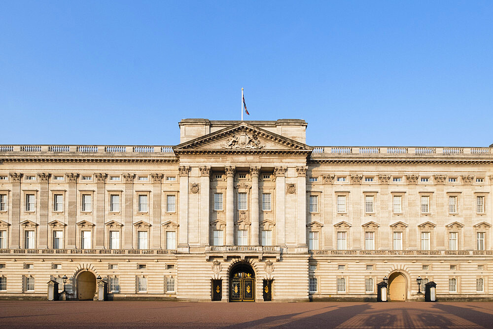 The facade of Buckingham Palace, the official residence of the Queen and the Royal Family in Central London