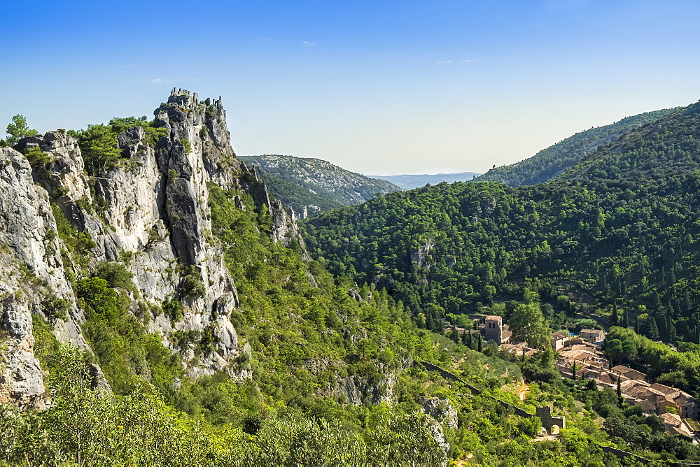 St.-Guilhem-le-Desert, a medieval village on the Way of St. James (Camino de Santiago) to Santiago de Compostela, Gellone Valley, Herault, Occitanie, France, Europe