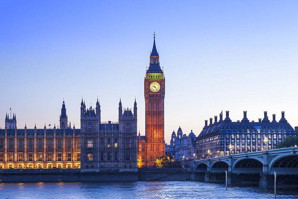 UK, London, Westminster. Big Ben (Queen Elizabeth Tower), the Houses of Parliament) and Westminster Bridge - 1176-1197
