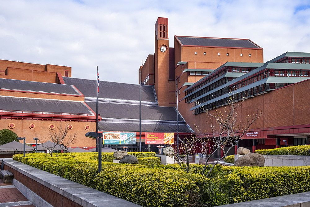 Exterior of the British Library by the architects Sir Colin St. John Wilson and MJ Long, Euston, London, England, United Kingdom, Europe