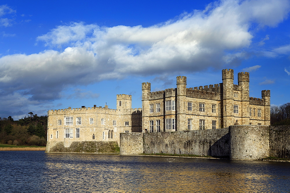 Kent, Leeds Castle. View across the lake to the castle - former home of Catherine of Aragon, first wife of Henry VIII