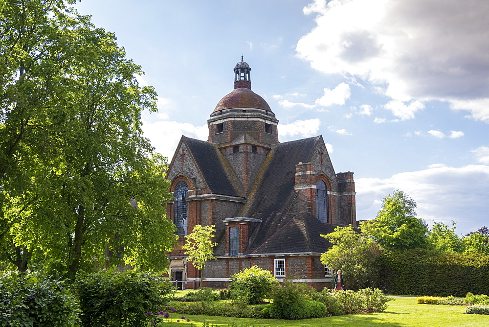 UK, Finchley & Golders Green, Hampstead Garden Suburb. The Free Church by Edwin Lutyens built in the Arts & Crafts style