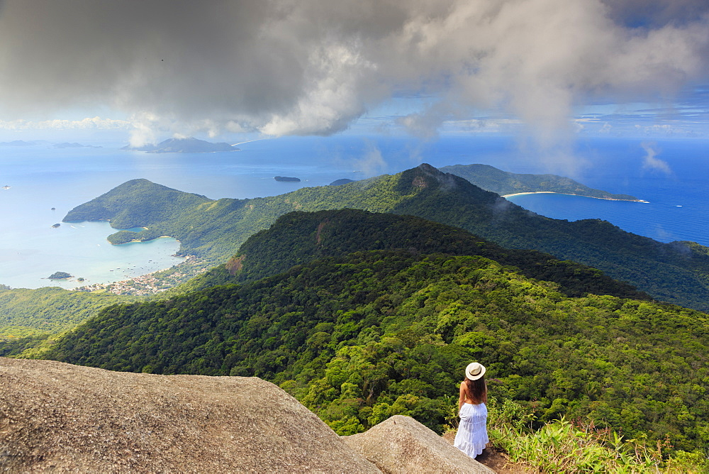 Ilha Grande island from Papagaio Peak (Pico do Papagaio), Ilha Grande, Green Coast (Costa Verde), Brazil, South America