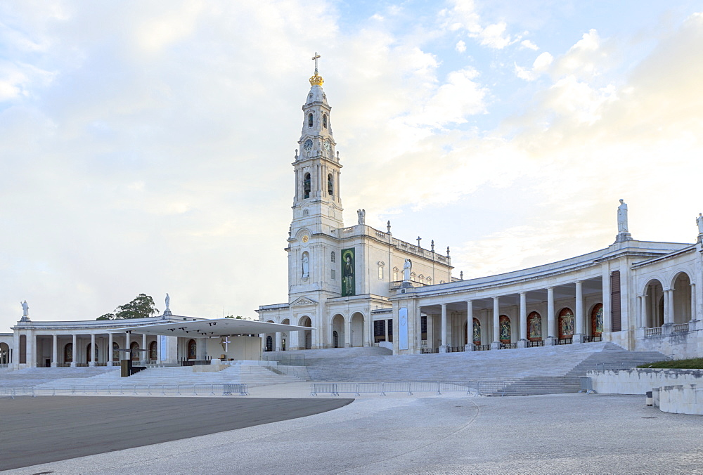 Basilica of Our Lady of the Rosary at the Portuguese Catholic Sanctuary of Fatima, Santarem District, Portugal, Europe