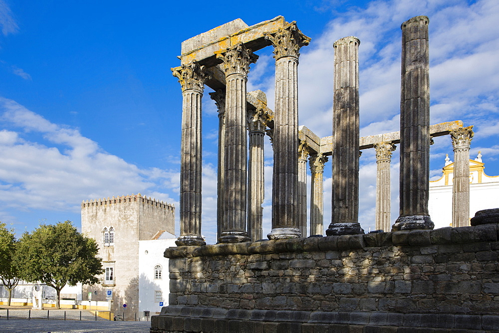 The Roman temple of Diana in the centre of Evora, UNESCOI World Heritage Site, Evora, Portugal, Europe - 1176-889