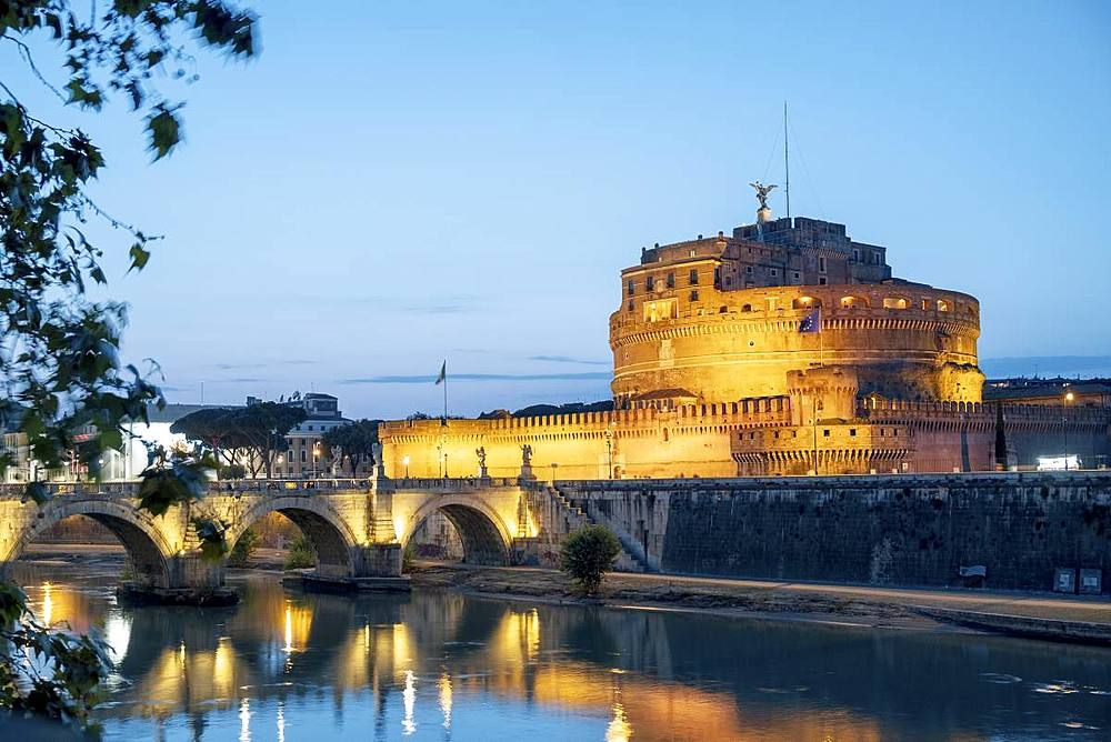 The Mausoleum of Hadrian (Castel Sant'Angelo) (Saint Angelo's Castle), Parco Adriano, UNESCO World Heritage Site, Rome, Lazio, Italy, Europe - 1176-953
