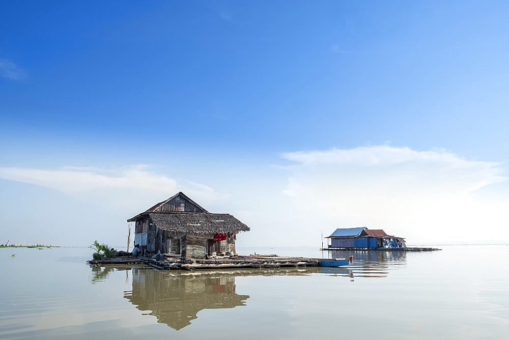 Floating houses on the lake, Lake Tempe, Sengkang, Indonesia, Southeast Asia, Asia