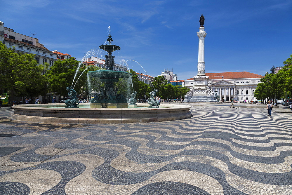 Fountain frames the old palace in Praca de Dom Pedro IV (Rossio Square), Pombaline Downtown, Lisbon, Portugal, Europe