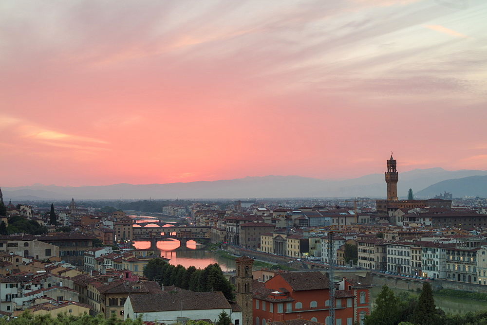 Arno River with Ponte Vecchio and Palazzo Vecchio at sunset seen from Piazzale Michelangelo, Florence, Tuscany, Italy, Europe