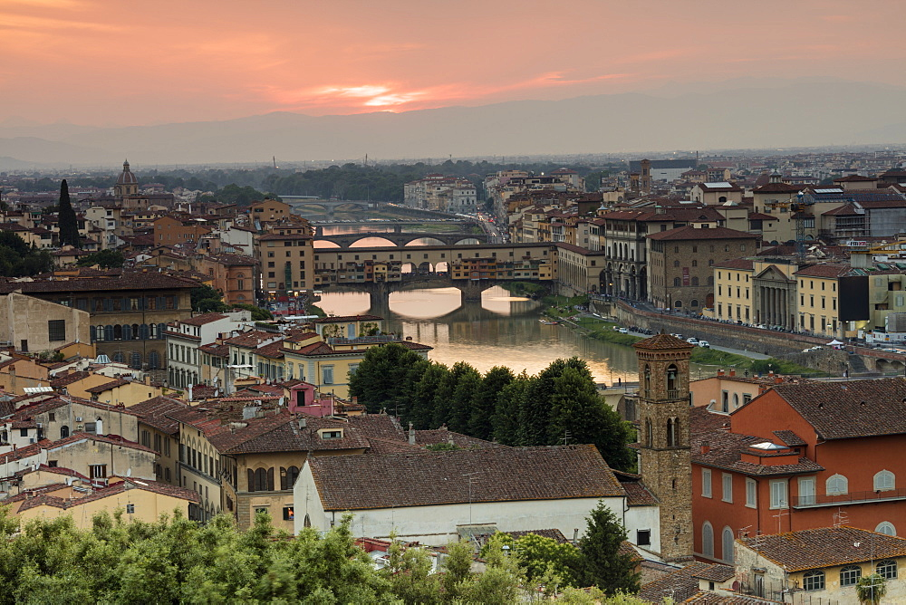 View of the Arno River and Ponte Vecchio at sunset from Piazzale Michelangelo, Florence, Tuscany, Italy, Europe