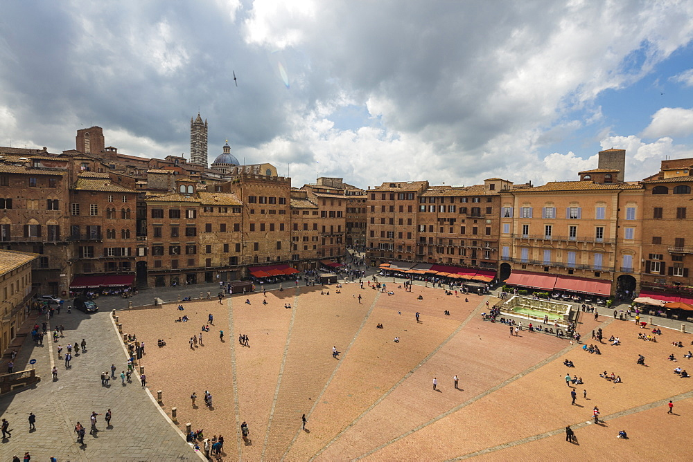 Top view of Piazza del Campo with the historical buildings and The Fonte Gaia fountain, Siena, UNESCO World Heritage Site, Tuscany, Italy, Europe