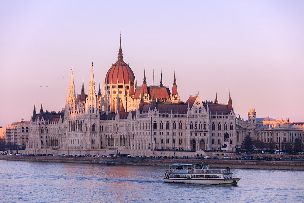 Parliament Building and River Danube at sunset, Budapest, Hungary, Europe