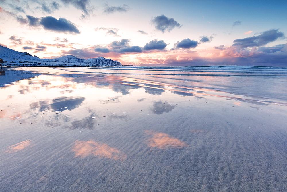 Skagsanden Beach at sunset, Flakstad municipality, Lofoten Islands, Nordland, Norway, Europe - 1179-3384