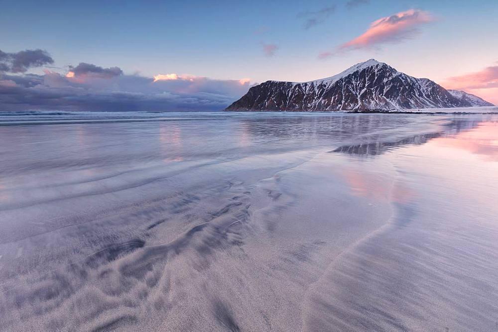 Skagsanden beach at sunset, Flakstad municipality, Lofoten Islands, Nordland, Norway, Europe - 1179-3385
