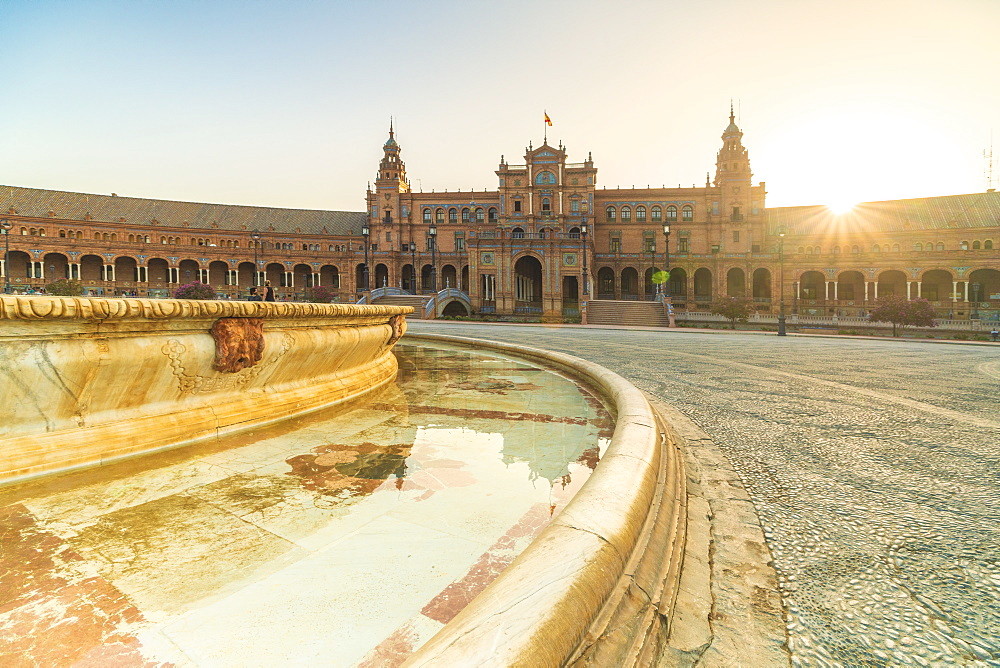 Vicente Traver fountain facing the tower and central building, Plaza de Espana, Seville, Andalusia, Spain, Europe