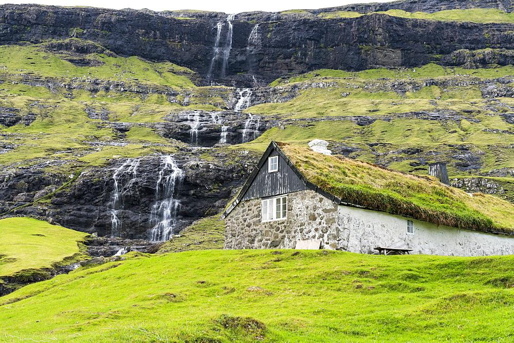 Traditional house with grass roof, Saksun, Streymoy island, Faroe Islands, Denmark, Europe
