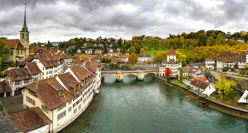 Panoramic of Aare River and Untertorbrucke bridge in the Old Town (Altstadt), Bern, Canton Bern, Switzerland, Europe